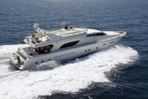 Ferretti 80 feet kentavros ii luxury crewed motor yacht for Motor boat rental greece