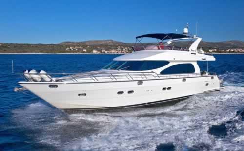 Motor yacht mira mare yaretti 71 feet yacht charter greece for Motor boat rental greece
